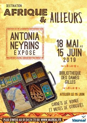 Exposition « Carnets de voyage et valises de curiosités » d'Antonia Neyrins